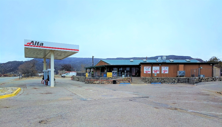 Commercial Real Estate for Sale - 1410 NM-68, Velarde, NM $765,000 Contact Phil Kubat | (720) 909-8557 | phil@transworldcre.com Click to Download Brochure